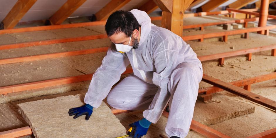 Worker with insulation
